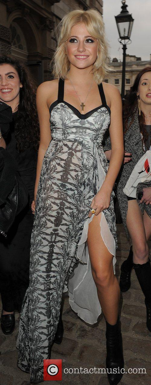 Pixie Lott and London Fashion Week 10