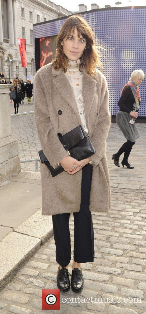 Alexa Chung and London Fashion Week 4