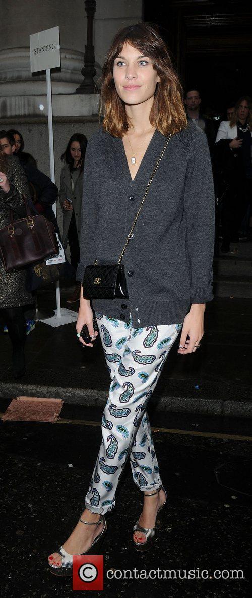 Alexa Chung and London Fashion Week 5