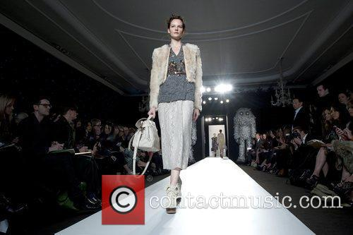 Model, Michelle Williams and London Fashion Week 8