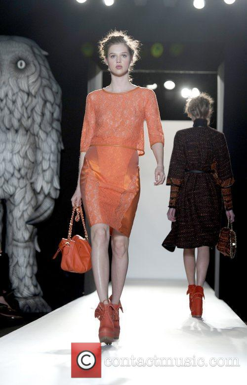Model, Anna Wintour and London Fashion Week 2