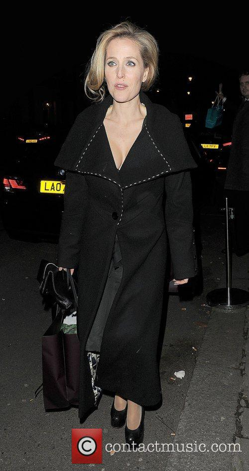 Gillian Anderson and London Fashion Week 4