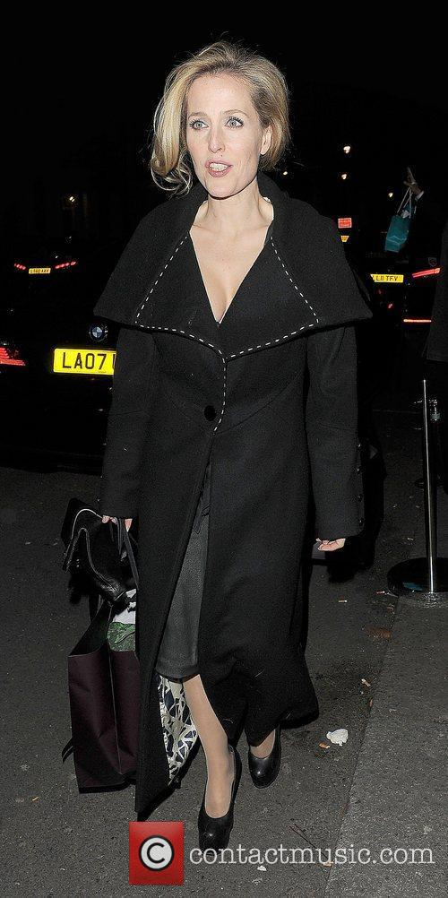 Gillian Anderson and London Fashion Week 5