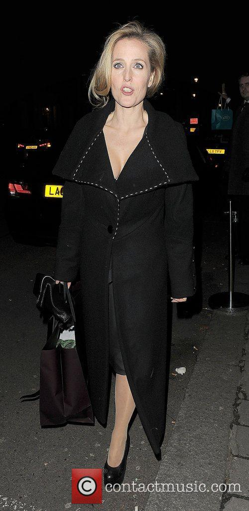 Gillian Anderson and London Fashion Week 6
