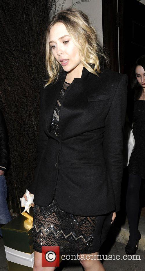 Elizabeth Olsen and London Fashion Week 5