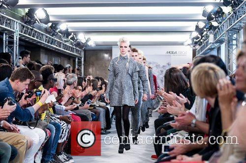 Lisbon Fashion Week – Spring/Summer 2012 - Os...