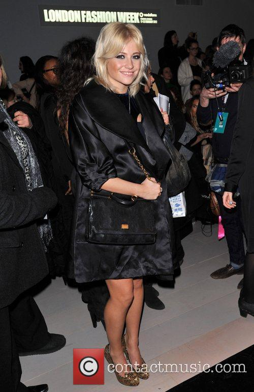 Pixie Lott and London Fashion Week 3