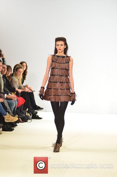 Model London Fashion Week - Autumn/Winter 2012 -...