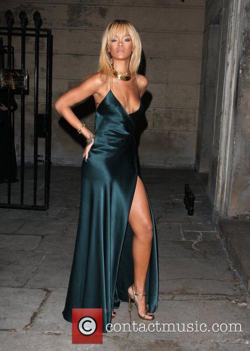 Rihanna London Fashion Week - Autumn/Winter 2012 Stella...