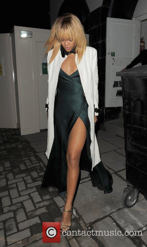 Rihanna and London Fashion Week 3