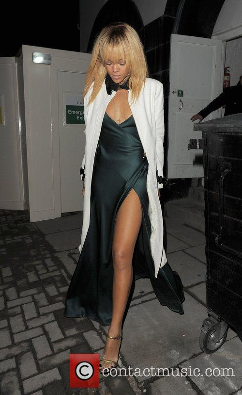 Rihanna and London Fashion Week 5