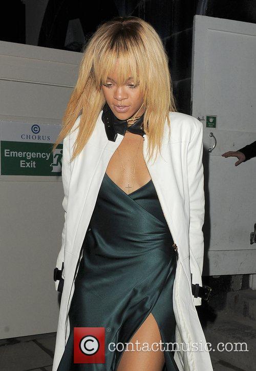 Rihanna and London Fashion Week 7