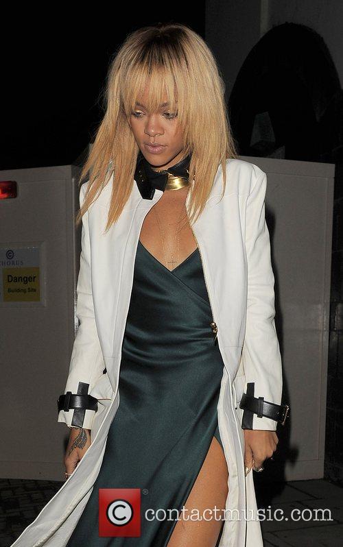 Rihanna and London Fashion Week 9