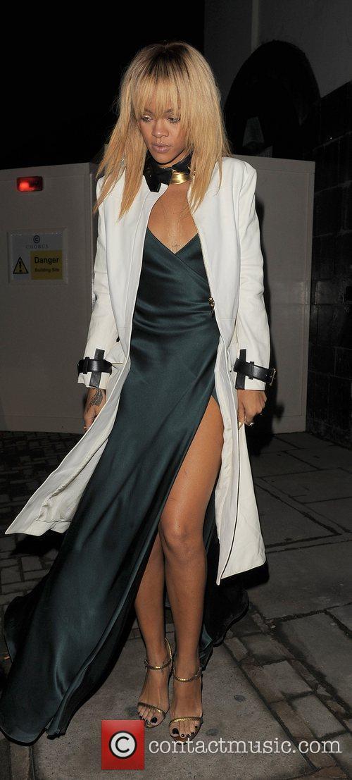 Rihanna and London Fashion Week 10
