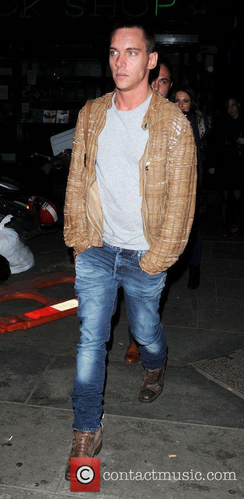 Jonathan Rhys Meyers and London Fashion Week 3