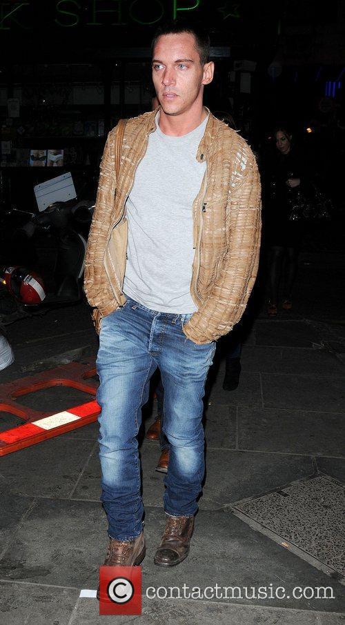 Jonathan Rhys Meyers and London Fashion Week 4