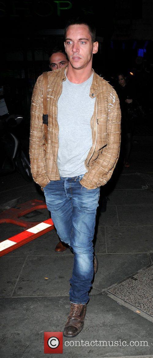 Jonathan Rhys Meyers and London Fashion Week 5