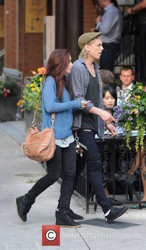 Lily Collins and Jamie Campbell Bower 3