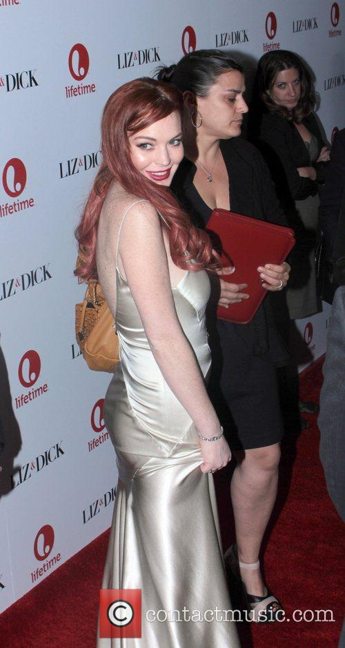 lindsay lohan arrives at the premiere of 4182556