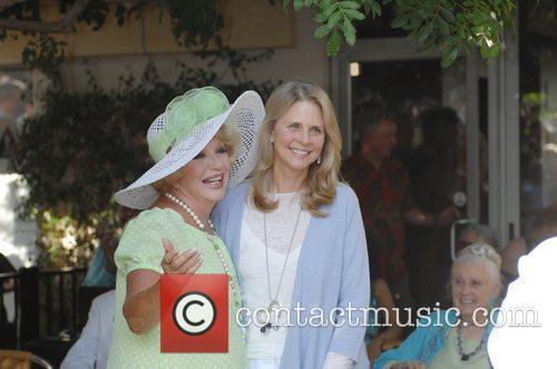Ruta Lee and Lindsay Wagner 2