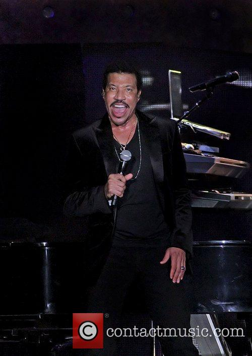 Lionel Richie and Manchester MCR Arena 18