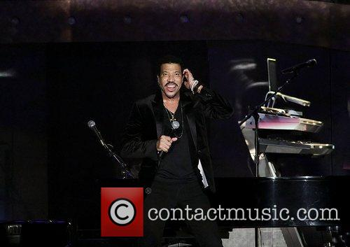 Lionel Richie and Manchester MCR Arena 15