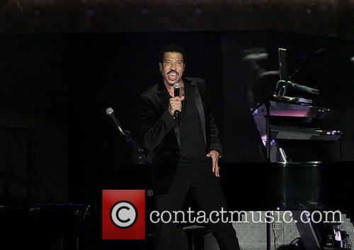 Lionel Richie and Manchester MCR Arena 29