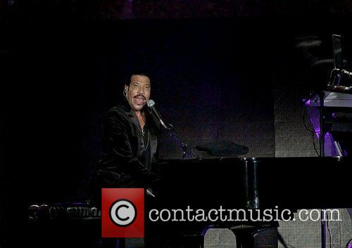 Lionel Richie and Manchester MCR Arena 25