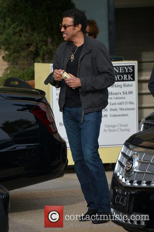 Lionel Richie leaving Barneys New York