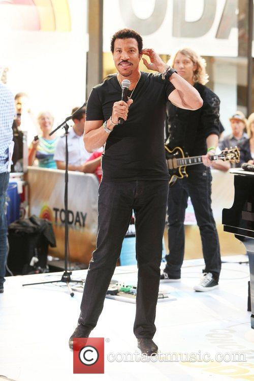 Lionel Richie and Rockefeller Plaza 5