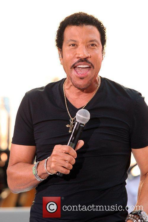 Lionel Richie and Rockefeller Plaza 9