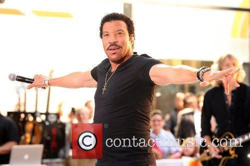 Lionel Richie and Rockefeller Plaza 12