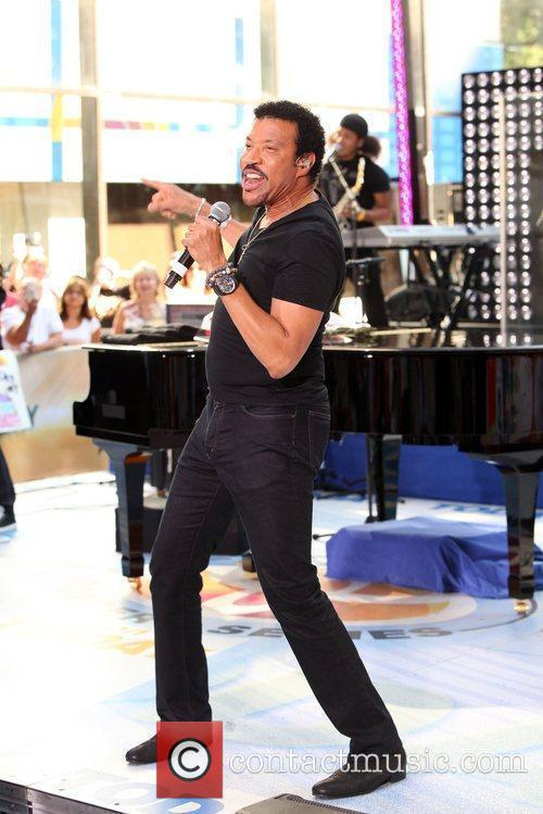 Lionel Richie and Rockefeller Plaza 14