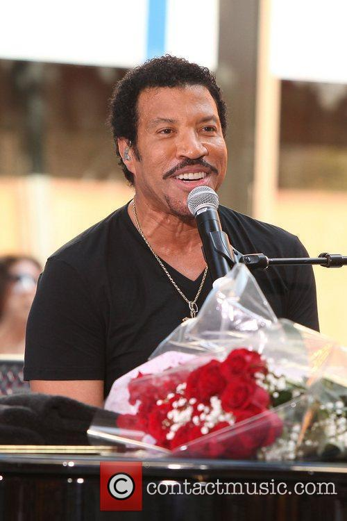 Lionel Richie and Rockefeller Plaza 15