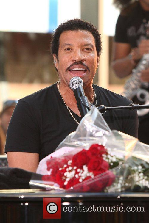 Lionel Richie and Rockefeller Plaza 16
