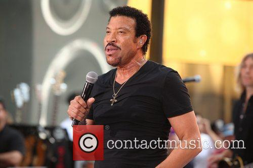Lionel Richie and Rockefeller Plaza 18