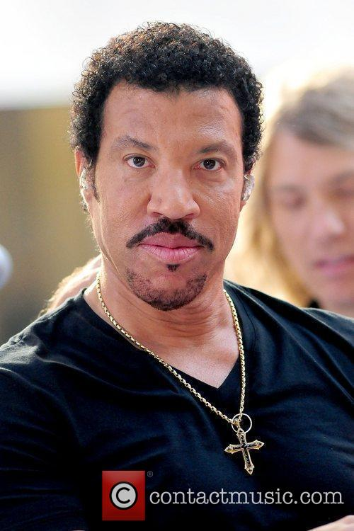 Lionel Richie and Rockefeller Plaza 19