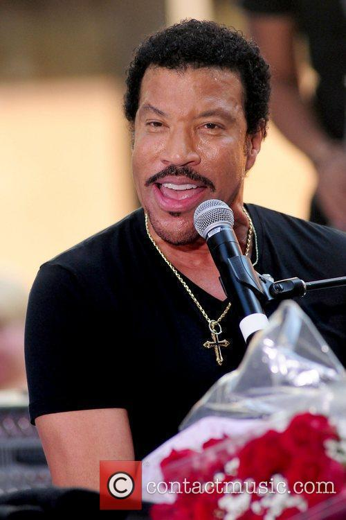 Lionel Richie and Rockefeller Plaza 27