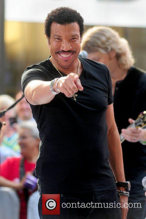 Lionel Richie and Rockefeller Plaza 29