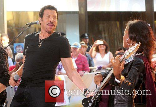 Lionel Richie and Rockefeller Plaza 34