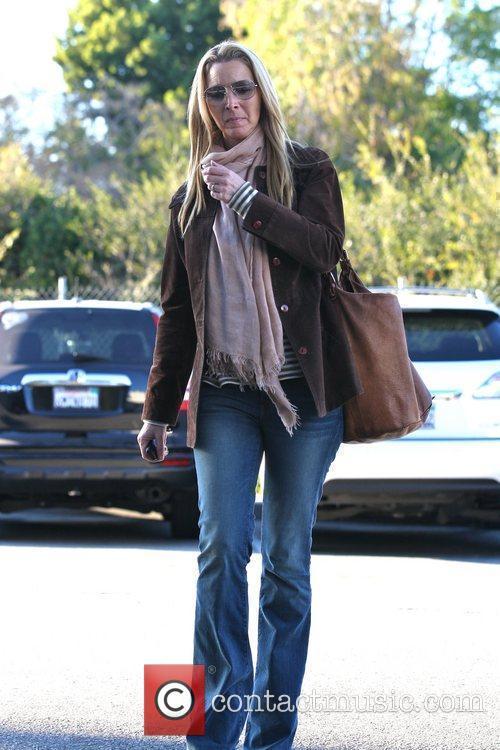 Lisa Kudrow arrives at a hair salon Los Angeles, California