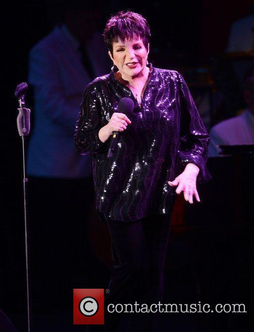Liza Minnelli and Hampton Court Palace 10