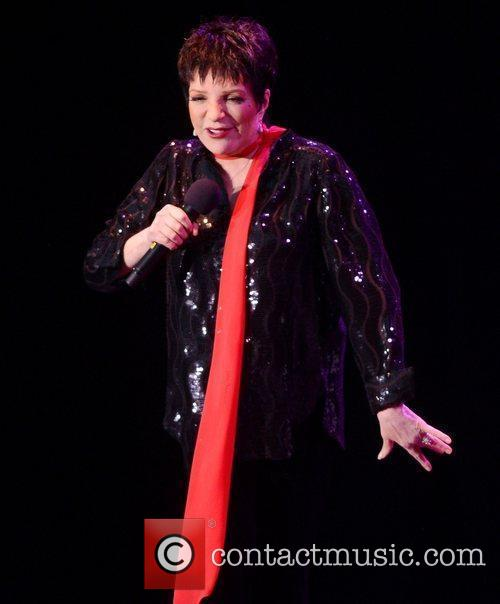 Liza Minnelli and Hampton Court Palace 1