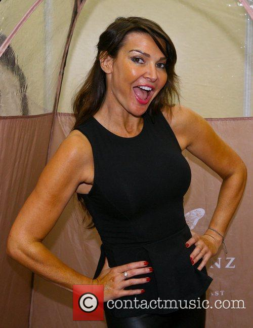 lizzie cundy olympia beauty event 2012  4096940