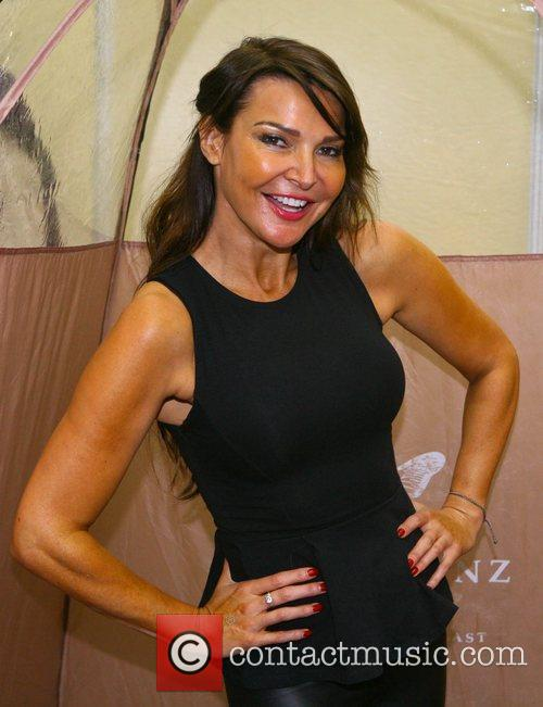 Lizzie Cundy 7