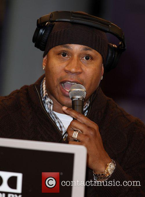 ll cool j appears on the cnet 3676873
