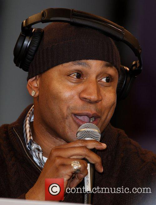 ll cool j appears on the cnet 3676884