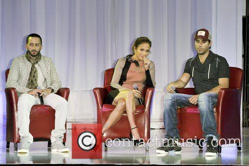 Jennifer Lopez and Enrique Iglesias 6