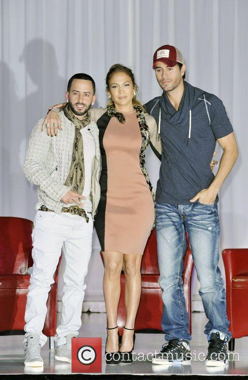 Jennifer Lopez and Enrique Iglesias 7