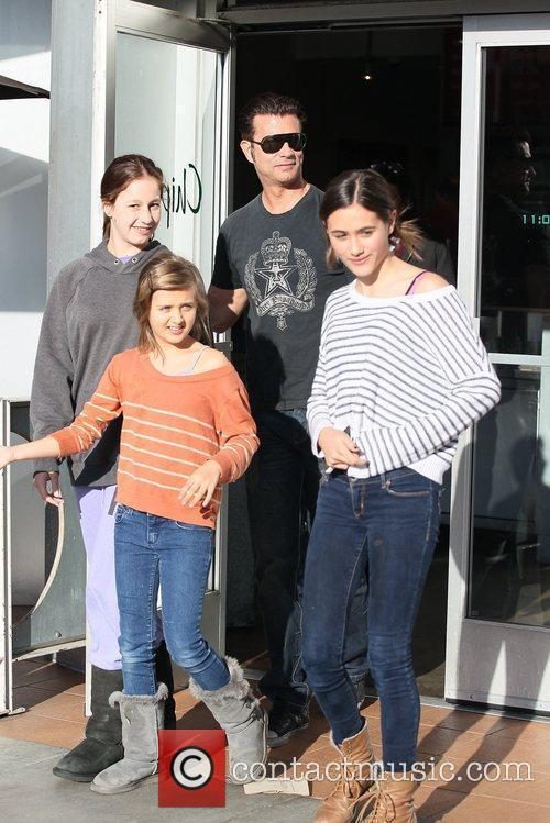 Lorenzo Lamas and his three daughters leaving Chipotle...